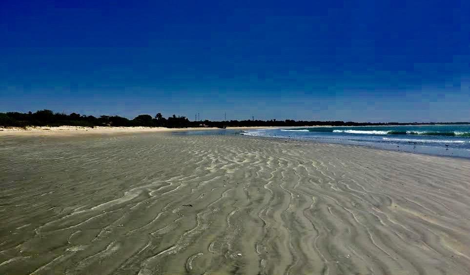 Alletiders strand, lidt syd for Banjul.