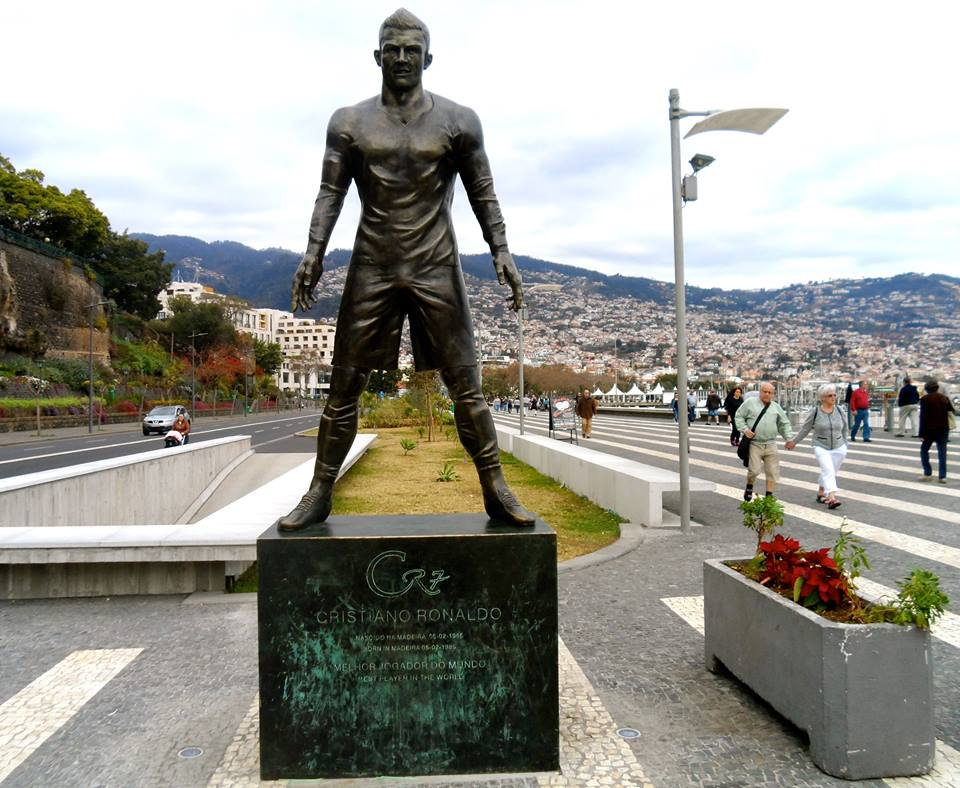 Ronaldo har også sin egen statue på Madeira.