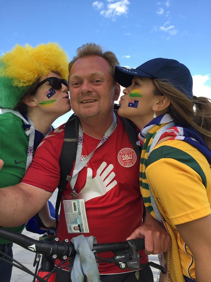 Fin velkomst i Saransk fra et par australske fans.