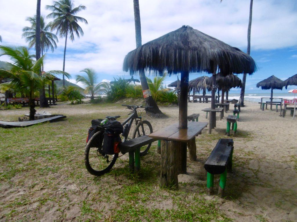 Frokost stop ved en brasiliansk strand.
